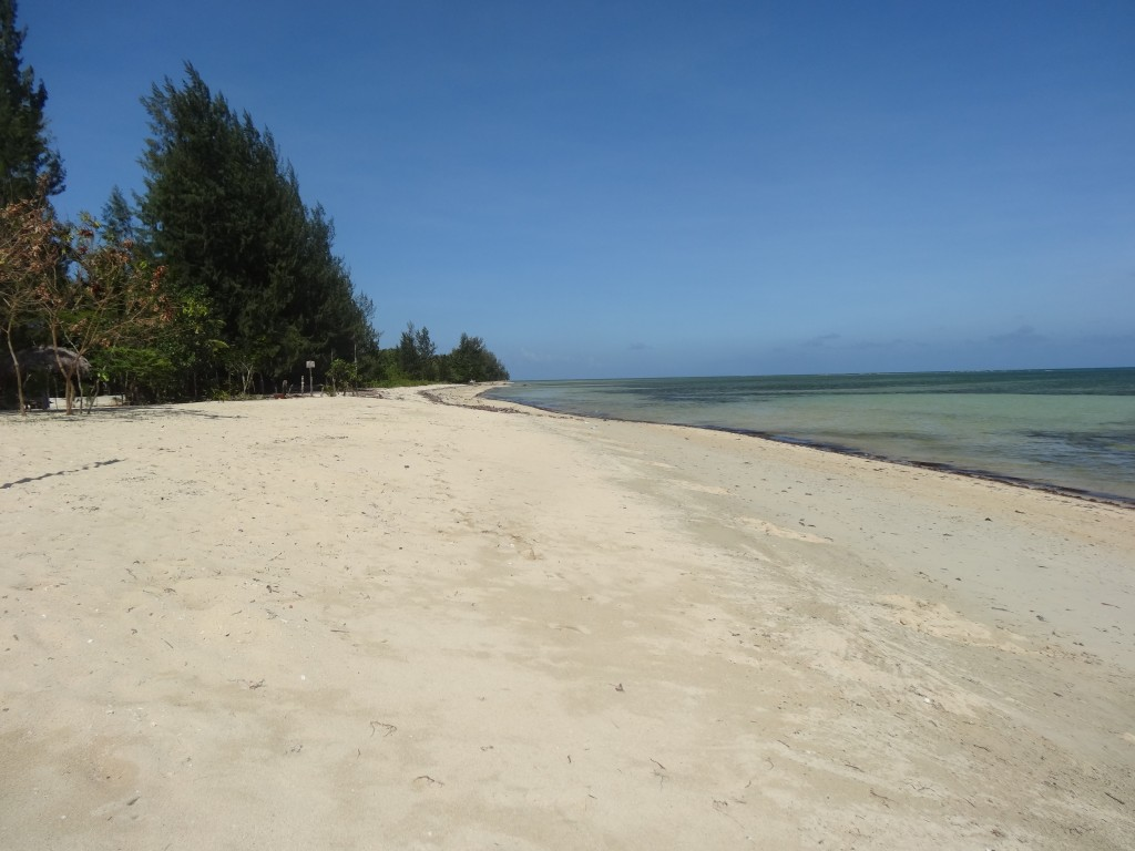The beach at Dona Choleng