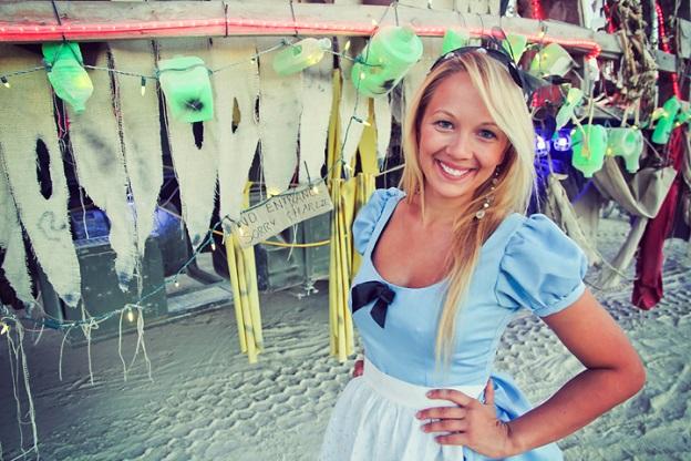 Alex in Wanderland solo female travel tips